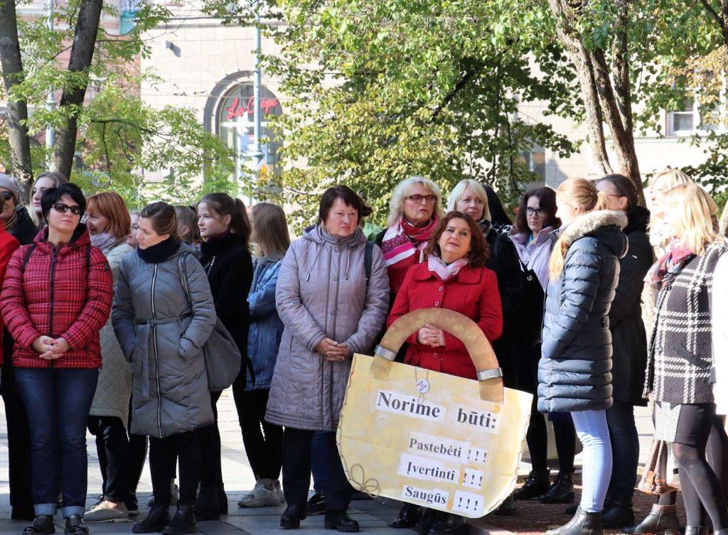 Visuotinė šalies socialinių darbuotojų protesto akcija 2019 rugsejis