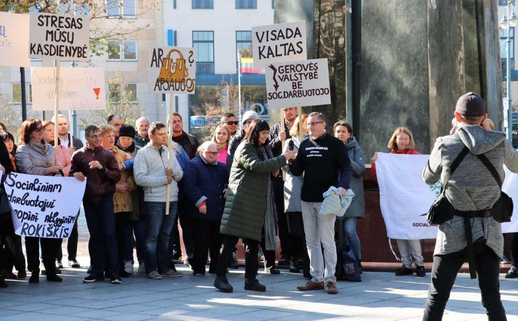 Visuotinė šalies socialinių darbuotojų protesto akcija (4)